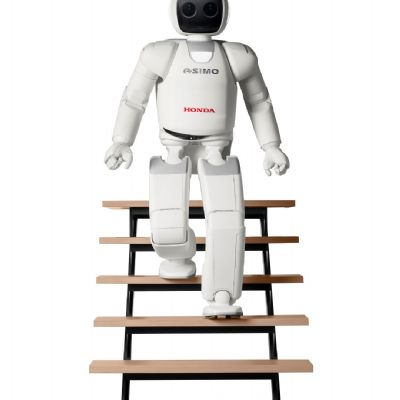 08-all-new-asimo-stairs.jpg